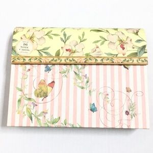 ✨NEW✨ Floral/Butterfly Print Notecards in Folder